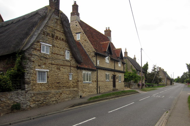 Houses on Billing Road