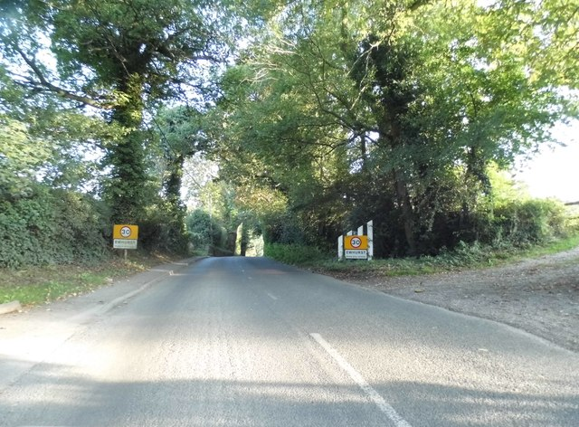 Entering Ewhurst on Shere Road
