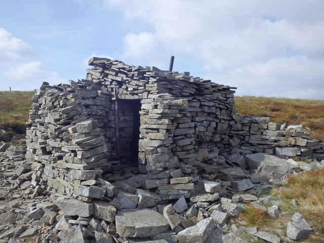 Hut, Dead Stones
