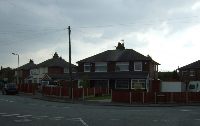 Houses on News Lane, Rainford Junction