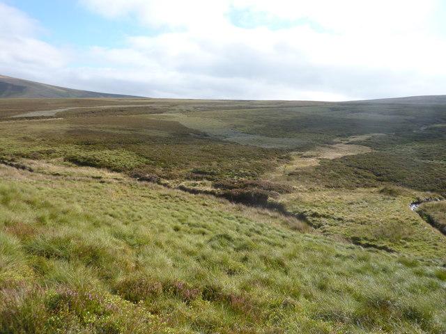 Moorland scenery around Allt na Graoibhe-cuilinn