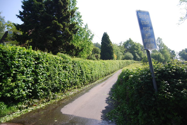 Cornford Lane becomes single track