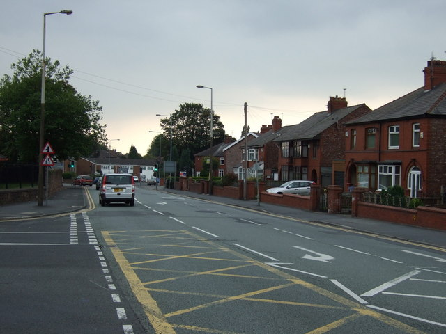 Dragon Lane, Whiston
