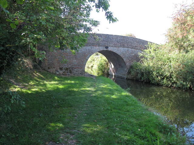 Bridge 6, Aylesbury Arm, Grand Union Canal