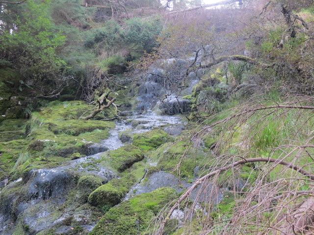 Allt Easgadill tumbles down a rockface on its way to Loch Sunart