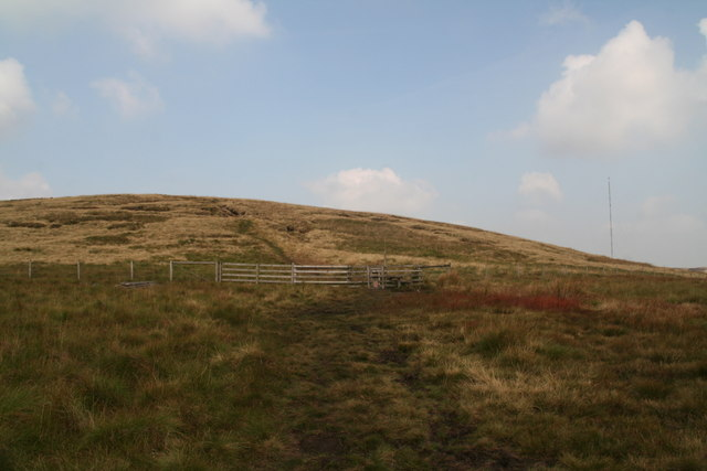 Looking towards the gate onto Tooleyshaw Moor from near White Low