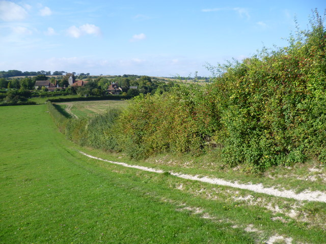 On The Wealdway looking back towards Luddesdown