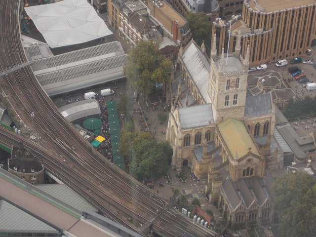 London: Southwark cathedral from above