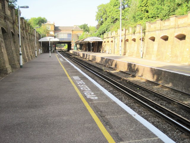 North Dulwich railway station, Greater London
