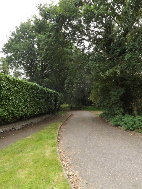 Footpath to Danacre Road
