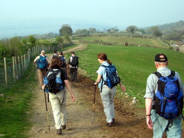Llwybr y Bryn Footpath