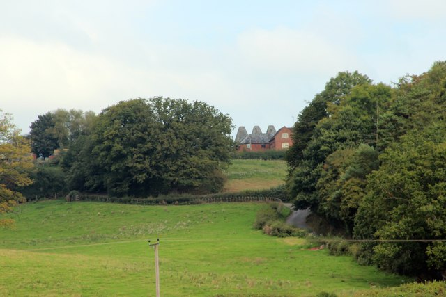 View to Oast House at Doddenhill Farm, Lindbridge