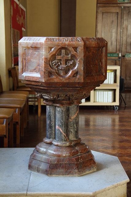 St James the Less, Bethnal Green - Font