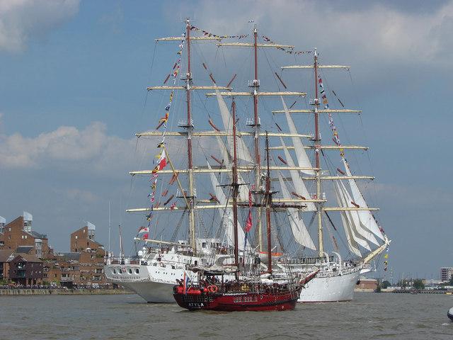 Festival of sail: Dar Mlodziezy
