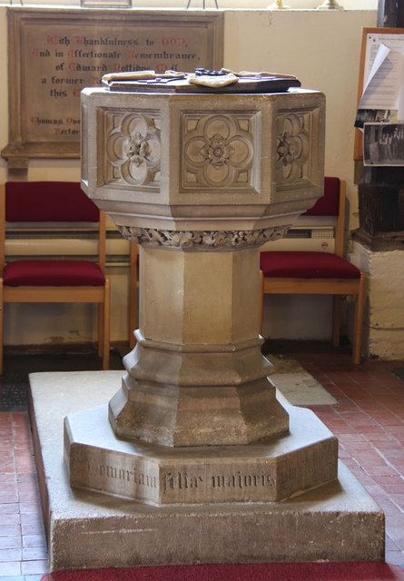 St Peter & St Paul, Black Notley - Font