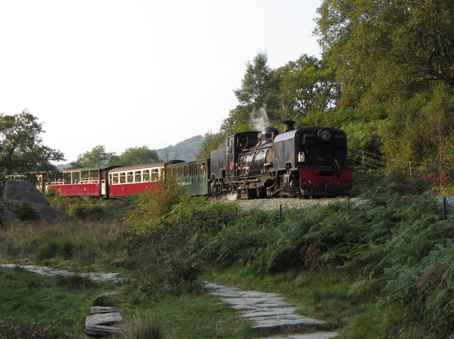 Welsh Highland Railway train entering the Pass of Aberglaslyn