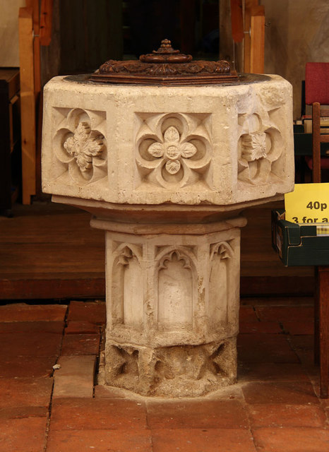 St Mary, Great Leighs - Font