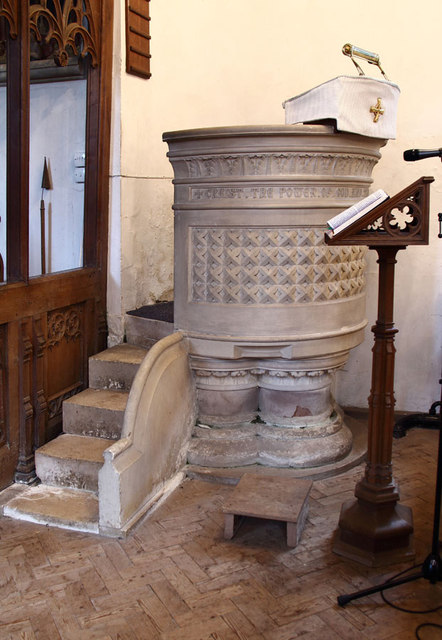 St Mary, Great Leighs - Pulpit
