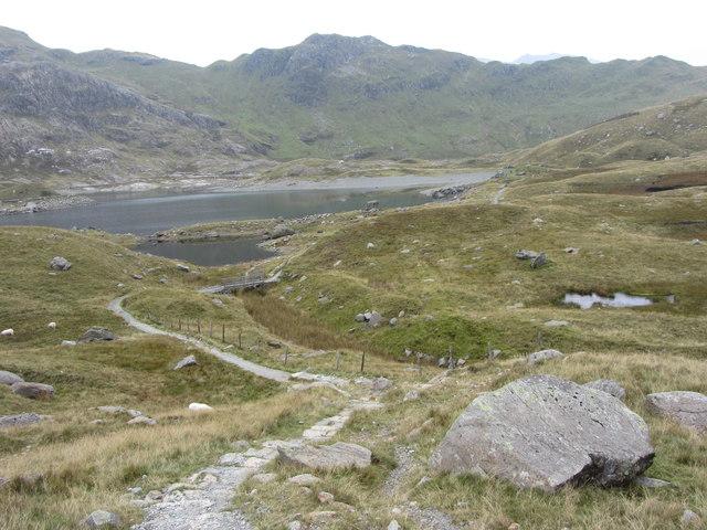 Descending into Cwm Dyli