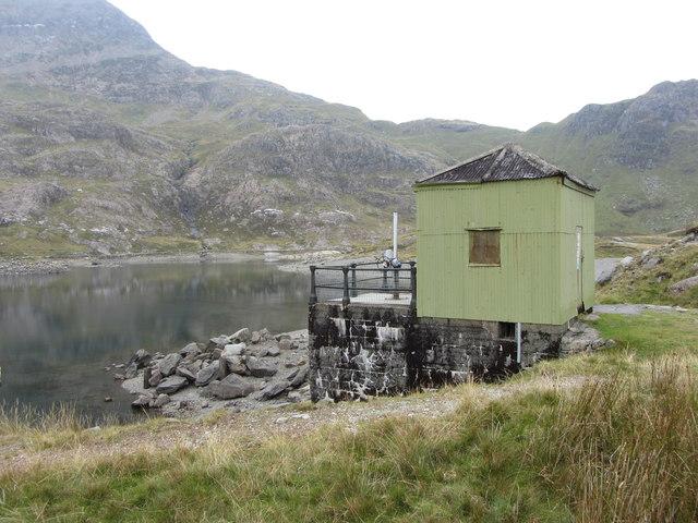 Hut beside Llyn Llydaw
