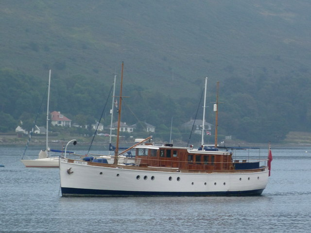 "Motor Yacht ""Chico"" in Lochranza"
