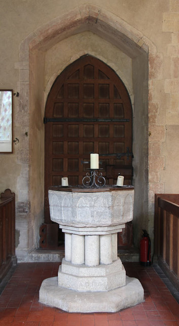 St Andrew, Congham - Font