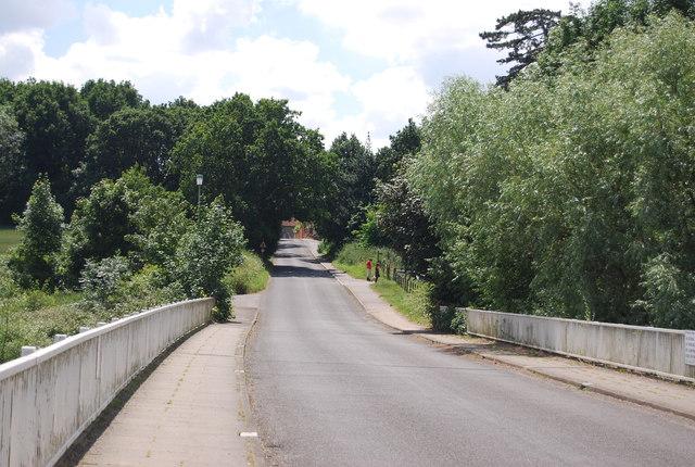 Leaving Lemons Hill Bridge
