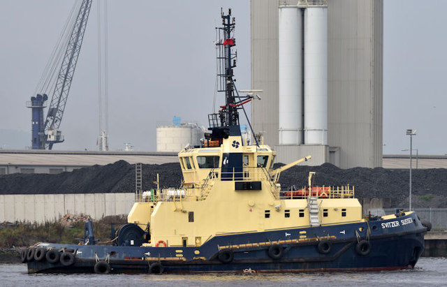 "The ""Svitzer Sussex"", Belfast - September 2014(1)"
