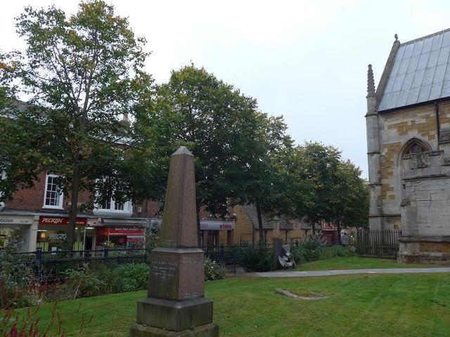 St Mary, Melton Mowbray: churchyard (a)