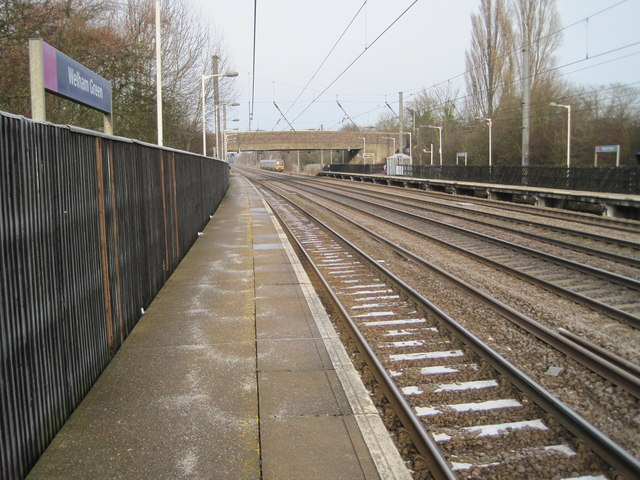 Welham Green railway station, Hertfordshire
