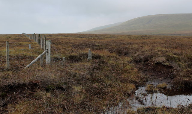 Fence and Boundary Stone below Sweet Hill