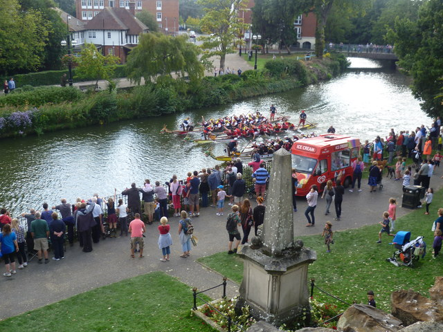The final of the Dragon Boat Racing on the River Medway