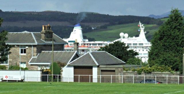 Cruise ship approaching Greenock