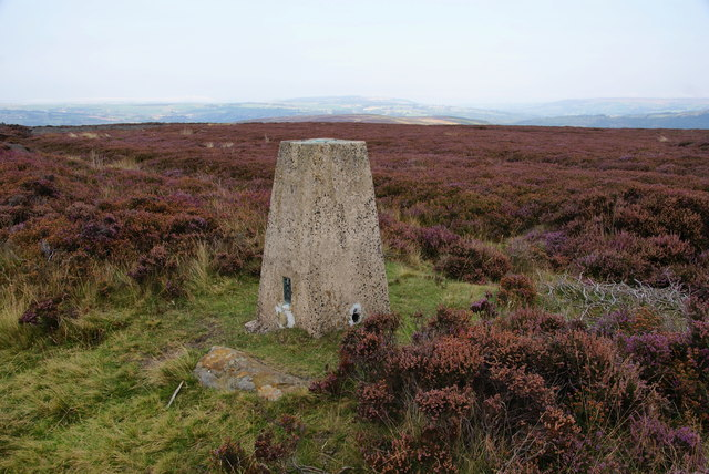 Trig point on Glaisdale Rigg