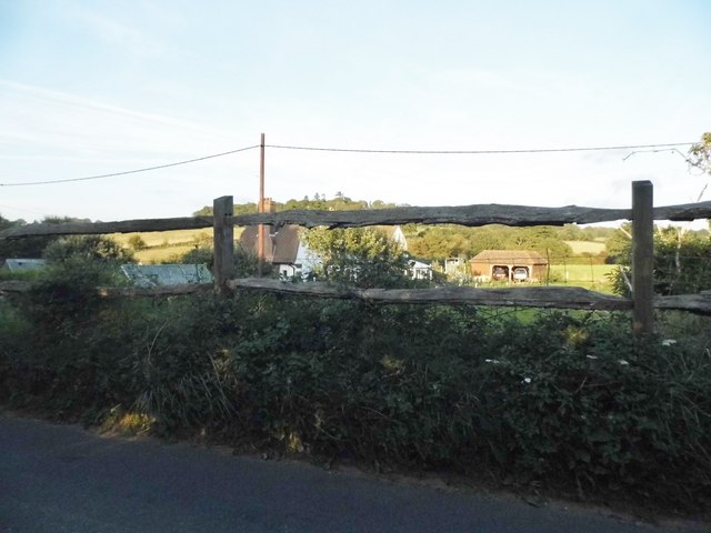 Farm buildings by Hound House Road