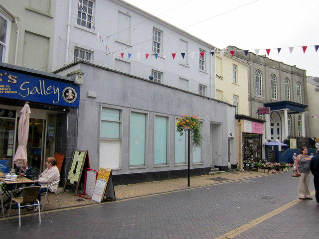 Brixham Fore Street HSBC Bank Now Closed