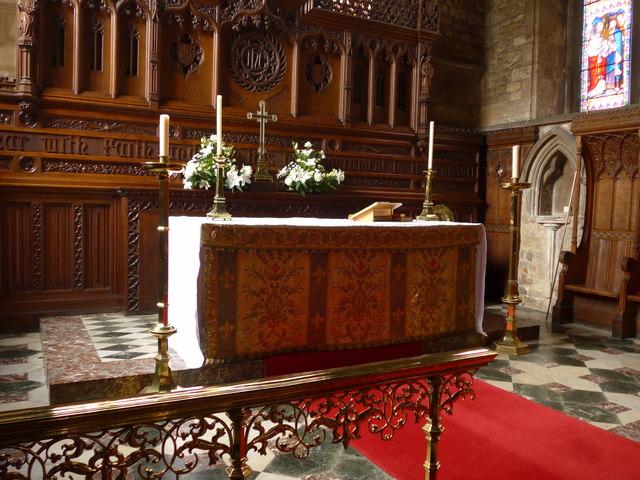 St Mary, Melton Mowbray: altar