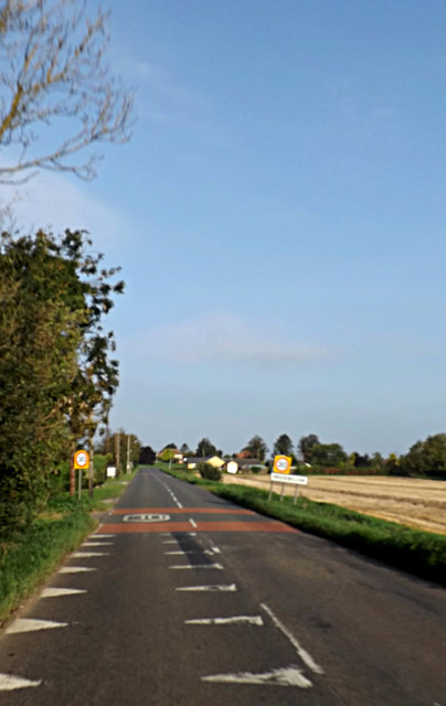 Entering Prickwillow on the B1104 Putney Hill Road