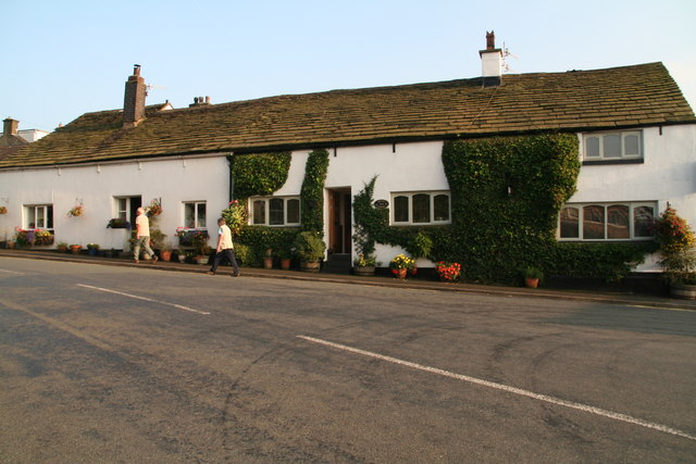 Old cottages on Padfield Main Road