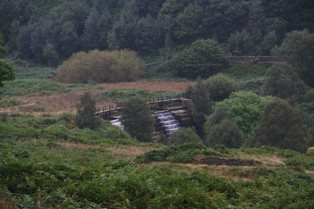 Weir and bridge over Crowden Brook north of Crowden