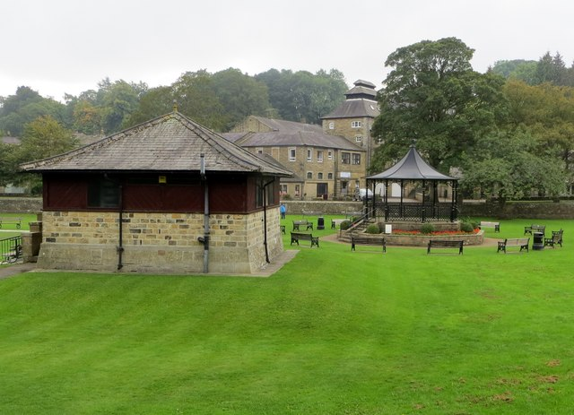 Bowling pavilion and Bandstand