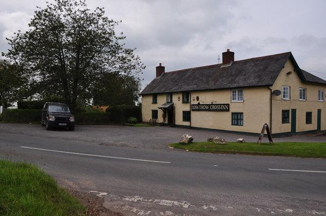 West Somerset : Lowtrow Cross Inn