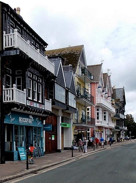 North along South Embankment, Dartmouth
