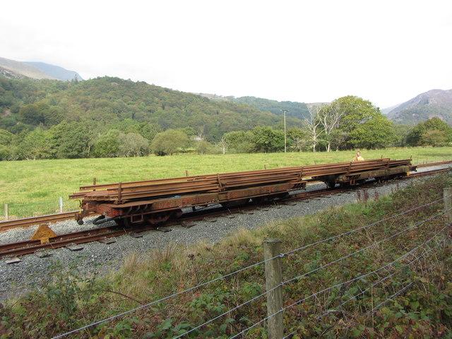 Rail wagons in Hafod-y-llyn loop
