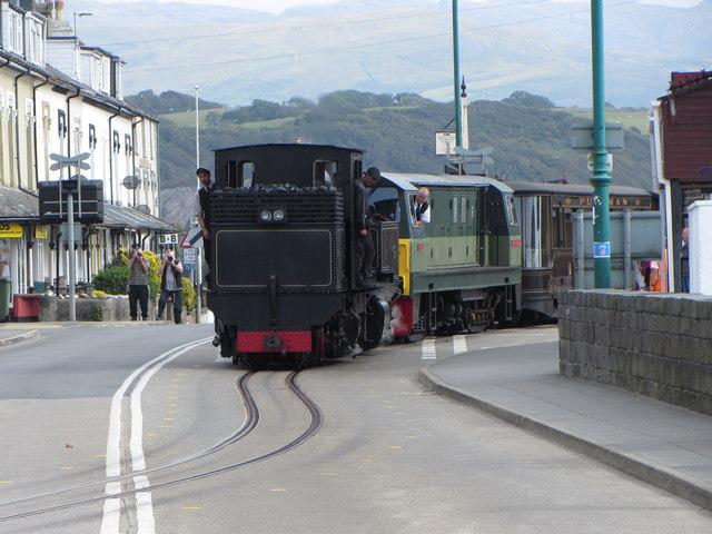 WHR train leaving Porthmadog Station