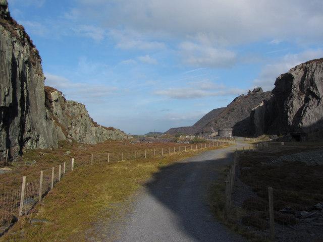 Track through Dinorwic Quarry