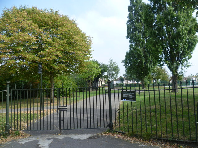 The entrance to Furzedown Recreation Ground from Chillerton Road