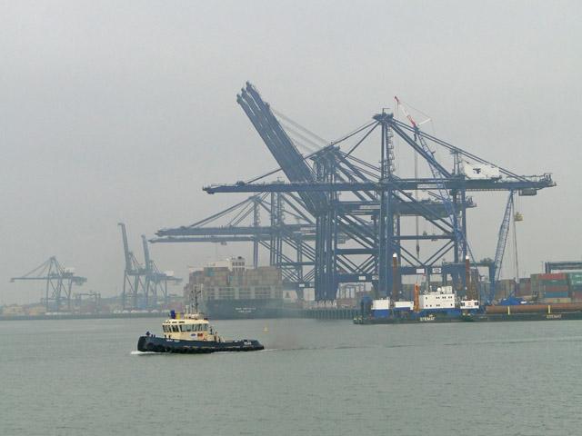 Tug in Felixstowe Dock