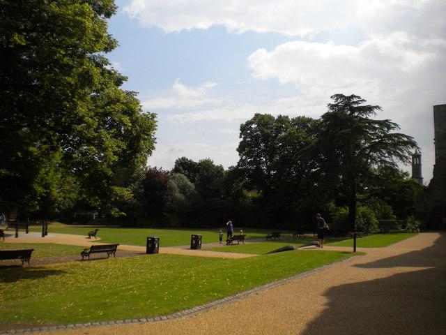 Castle gardens, Newark