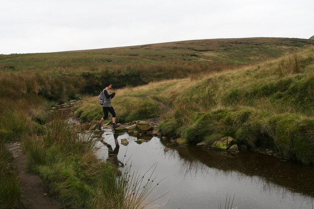 Crossing Crowden Brook in style near Red Ratcher